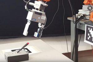 257 10 01 300x200 - Taktilni senzorji robotom omogočajo nove zmogljivosti