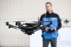 259 18 04 300x200 - Krmiljenje letenja dronov z FCU razvojno ploščico