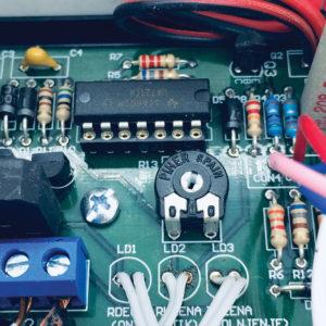 287 53 06 300x300 - Avtomatski polnilec akumulatorjev od 0.1 do 3A